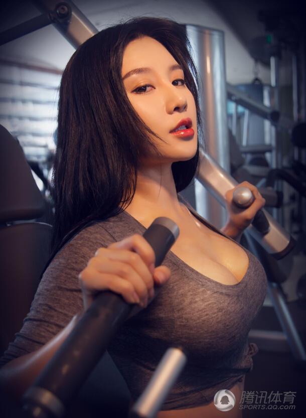 中国乳神完爆韩最美女烈焰(图)健身房中的中国美女侄女美女,双臂教师红唇图片